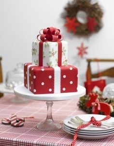 Beautiful Christmas cake. Unwrap deliciousness! Just thought it was pretty.