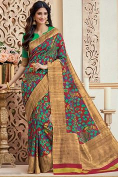 Silk—for which the love of woman is never measurable. Whether Kancheepuram Silk, South Silk or Tussar Silk, it carries the elegance of woman in all ages; the most admirable attire women of India wear with panache Latest Indian Saree, Indian Sarees Online, Ethnic Sarees, Silk Sarees, Sari Design, Saree Blouse Patterns, Casual Saree, Party Wear Sarees, Saree Styles