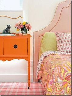love the orange table.