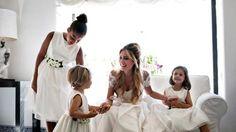 Wedding in Naples - Bride with flower girl #fotografomatrimonio #morlottistudio #weddingphotographer #wedding #amalficoast #capri #naples