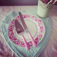 Pembe pasta bıçağı