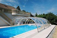 Retractable_swimming_pool_enclosure