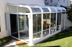 The ultimate guide to prefabricated houses: 65 modular home resources by location, design and price Pergola With Roof, Pergola Shade, Patio Roof, Pergola Kits, Covered Pergola, Sunroom Kits, Sunroom Ideas, Patio Ideas, Modular Home Designs