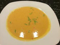 """Leckere """"Scharfe Süsskartoffel-Suppe"""". Schnell zubereitet und sättigend!"""
