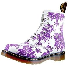 Doc Martens in purple tapestry print. Ohhh, why do printed Doc Martens have to be over a hundred bucks a pair? Purple Love, Purple Shoes, Shades Of Purple, Purple Flowers, Exotic Flowers, Yellow Roses, Pink Roses, Soft Grunge, Grunge Style