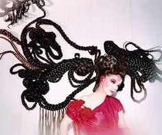 Bjork Hair sculpture by Shoplifter Mazzy Star, Art Textile, Textile Design, Queen B, Music Icon, The Elf, Hair Art, Oeuvre D'art, Headpiece