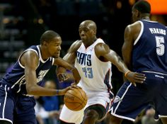 Photo Gallery - Thunder at Bobcats: Dec. 27, 2013 | THE OFFICIAL SITE OF THE OKLAHOMA CITY THUNDER