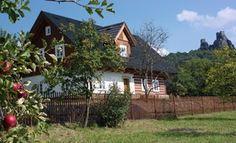 Poloroubená dřevostavba nedaleko Českého ráje Home Fashion, Tiny House, Studios, Cabin, House Styles, Home Decor, Pictures, Decoration Home, Room Decor