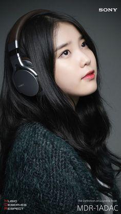 IU- Wallpapers IU photoshoot for Sony headphones Kpop Fashion, Korean Fashion, K Pop, Stylish Photo Pose, Girl With Headphones, Kpop Hair, Girl Artist, Korean Actresses, Korean Artist
