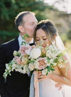 Romantic cascading pink bouquet | #bridalbouquet #bouquets #brideandgroom #romanticflowers #weddingflowers
