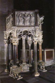 La Scultura Italiana - Nicola Pisano; Italiene Gothic Pulpit in the Baptistry of Sienna  Dal 1265 al 1268 Nicola eseguì un secondo pulpito per il Duomo di Siena