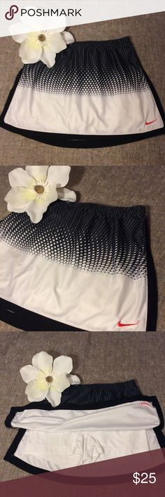 💕Nike DRI-FIT💕 Skort Size XS(0-2) 💕Nike DRI-FIT💕 Skort Size XS(0-2) Made in Cambodia RN# 56323 Made of 92%Polyester 8%Elastane. In Excellent Used Condition! Like New! No Stains,Holes or Rips. Super Cute!!! 😍If you have any questions please feel free to ask. Also, Thank you so much for visiting my closet! Have a Wonderful Day! 👍🤗💕 Nike DRI-FIT Shorts Skorts