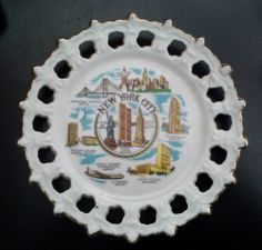 "Vintage State of NEW YORK CITY Souvenir Hanging Plate Size: 8 1/4"" Round"