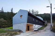 [BY 전원주택라이프] 지하층을 포함한 이 집의 기초는 철근콘크리트이며, 그 이외의 부분은 경량목구...