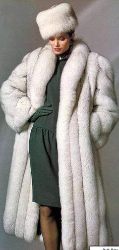 Silver foxes Fox fur and Fox fur coat on Pinterest
