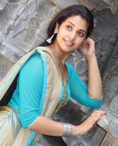 Cute Beauty, Beauty Full Girl, Beauty Women, Dark Beauty, Indian Natural Beauty, Indian Beauty Saree, Beautiful Bollywood Actress, Most Beautiful Indian Actress, Girl Number For Friendship