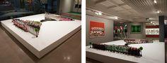 Nelson Leirner  View to paulista , 1984/2011   Installation and diverse objects   12.6 x 110.2 x 131.9 in. (base)   Artist's collection     ///    Nelson Leirner  Paulista à vista, 1984/2011   Instalação e objetos diversos   32 x 280 x 335 cm (base)   Coleção do artista