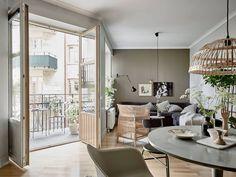 Scandinavian interior / Swedish house full of green living / Source: Hội những người thích phong cách Scandinavia on Facebook