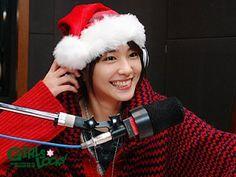 """ガッキー画像Channelさんのツイート: """"新垣サンタさん 赤×白と黒×白のどちらも可愛いです☺️… """""""