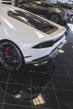 Lamborghini _____________________ WWW.PACKAIR.COM