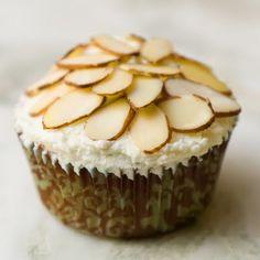 Almond Amaretto Cupcakes with Amaretto Whipped Cream (GF!)