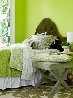 I like the colors in this room. The green throw, and the bench ...