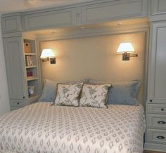 Modern Master Bedroom, Gold Bedroom, Master Bedroom Makeover, Master Bedroom Design, Closet Bedroom, Trendy Bedroom, Bedroom Decor, Bedroom Ideas, Bedroom Storage