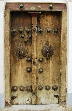 Reverse of the Decor- Envers du Decor Reverse of the Decor - Knobs And Knockers, Door Knobs, Door Handles, Rustic Doors, Wooden Doors, Entrance Doors, Doorway, Old Doors, Windows And Doors
