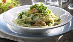 Du bist ein Riesen-Pasta-Fan? Dann probiere sie doch mal mit knusprigen Garnelen und würzigem Rucola!