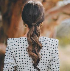 Easy Short Hair Updos That Will Take Eight Minutes or Less – HerHairdos Ponytail Hairstyles, Pretty Hairstyles, Wedding Hairstyles, Party Hairstyle, Hairstyle Ideas, 50s Hairstyles, Black Hairstyles, Bad Hair, Hair Day