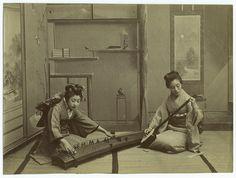 Koto and shamisen players