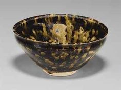A Jizhou 'Tortoiseshell'-glazed Bowl. Southern Song Dynasty (1127-1279). Photo: Christie's Images. The 'tortoiseshell' glaze was an innovation of the potters at the Jizhou kilns in Jiangxi province during the Song dynasty. Known as 'tortoiseshell' glaze, its name was derived supposedly from its similarity to the shell of a warm-water sea turtle known as the hawksbill.