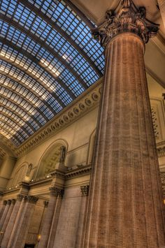 The magnificent Great Hall at Chicago Union Station is the ideal location for elegant special events. Originally designed by famed architect Daniel Burnham and completed in 1925 by the Graham, Anderson, Probst and White Firm, the Great Hall is considered to be one of the greatest indoor spaces in the United States.