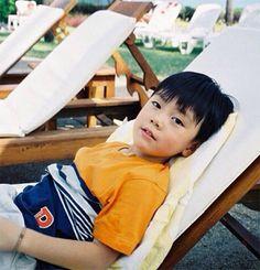 Baby ten is so cute.