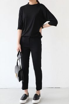 Death By Elocution : black tee, black bottoms, black slip ons, black bag Casual Work Outfits, Work Casual, Casual Looks, Look Fashion, Korean Fashion, Fashion Outfits, Fashion Trends, Fashion News, Mode Simple