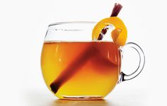 As the temperature continues to drop, that ice-cold beer just doesn't look so appetizing anymore. Try one of these fabulous warm cocktails to keep you warm through winter. Honey Bourbon Toddy Hot toddies are the standard … Apple Bourbon, Honey Bourbon, Hot Toddy Recipe Bourbon, Hot Toddy Recipe For Colds, Bourbon Alcohol, Bourbon Recipes, Hp Sauce, Daiquiri, Mojito