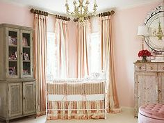 What a gorgeous little girl's room... The pinks and greys are so calming and peaceful <3