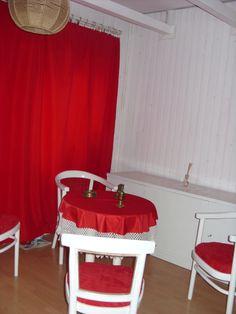 Előszoba Chair, Furniture, Home Decor, Recliner, Homemade Home Decor, Home Furnishings, Decoration Home, Chairs, Arredamento