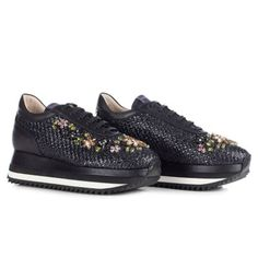 LE SILLA Black Running In Prairie, Woven Raffia And Crystals H.40 Mm. #lesilla #shoes #sneakers