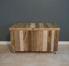 Pallet Wood Chest | Pallet Chest by SibusFurnitureDecor on Etsy