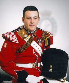 Brytyjscy parlamentarzyści opublikowali raport dotyczący zabójstwa szeregowca Lee Rigby'ego. Żołnierz został zamordowany w Londynie półtora roku temu przez dwóch islamistów. W parlamentarnym dokumencie znalazły się zarzuty pod adresem serwisów społecznościowych, z których mieli korzystać bandyci. http://www.tvn24.pl/wiadomosci-ze-swiata,2/macie-krew-na-rekach-internet-bezpieczna-przystania-dla-terrorystow,492494.html