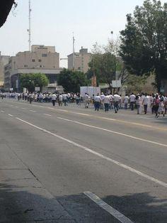 Cerrada la circulación carril sur-norte Av. 16 de sep. a partir de niños héroes por marcha  23/05/2012
