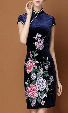 Чеонгсам xxxl (China) by Svet Lana Chinese Wedding Dress Traditional, Chinese Style, Traditional Dresses, Chinese Shirt, Chinese Clothing, Chinese Dresses, Oriental Dress, Fashion Courses, Christian Dior