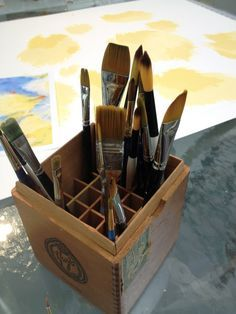 Dianne Zweig - Kitsch n Stuff: Using A Wooden Cigar Box With Compartments To Hold Artist Paint Brushes Cigar Box Diy, Cigar Box Crafts, Altered Cigar Boxes, Wooden Cigar Boxes, Diy Box, Wooden Trays, Cigar Art, Altered Tins, Craft Organization