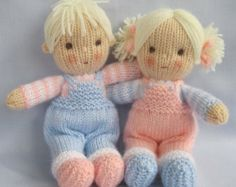 Jenny and Jolly Dollies doll knitting pattern por dollytime