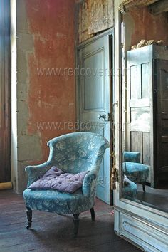 Patina walls ~ Inspiring Interiors Blog