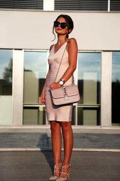 Bondagebondage dress: Adelia // glam lock bag: Valentino (also like this version) // pumps: Valentino // sunglasses: Karen Walker // earrings: Tory Burch // watch: Michael Kors // bracelets: Tory...