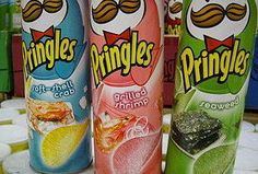 japanese potato chips - pringles soft-shell crab,grilled shrimp and nori flavours Asian Seafood Recipe, Seafood Boil Recipes, Seafood Menu, Japanese Snacks, Japanese Candy, Japanese Food, Japanese Sweets, Pringle Flavors, Japanese Potato