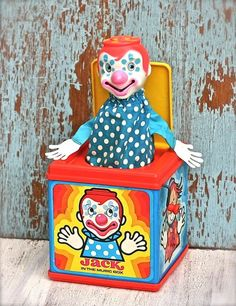 explain to me how parents didn't think these would give us nightmares. Vintage Mattel Jack In The Box.Still hate Clowns, maybe this is why! Retro Toys, Vintage Toys, 80s Kids, Kids Toys, Childhood Toys, Childhood Memories, Pierrot Clown, Passion Deco, Jack In The Box