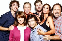 Jonathan Taylor Thomas refuses to age in Home Improvement reunion photo